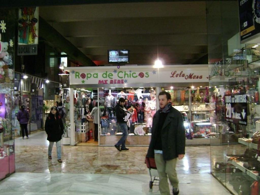 Vendo Local en Belgrano en Galería Las Vegas excelente ubicación y mucho movimiento, con renta  actu