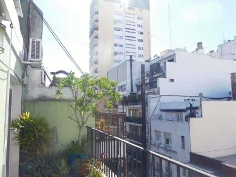 Muy lindo departamento de dos ambientes con balcón terraza y mucho sol