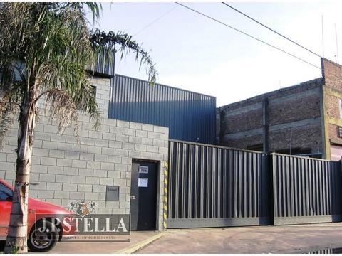 Depósito / Galpón 1250 m² Cubiertos – 300 m² Playa – Zona Industrial – Ramón Falcón 3915 – San Justo