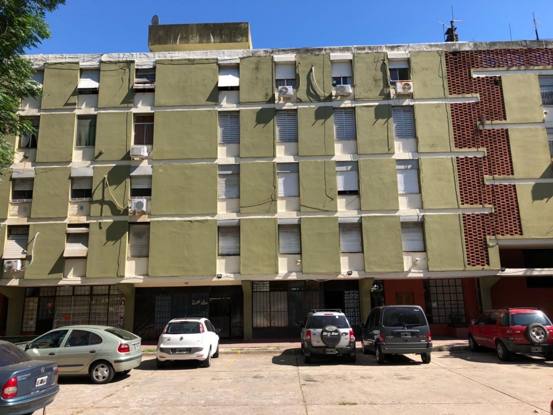 Venta departamento de 4 ambientes en Avellaneda