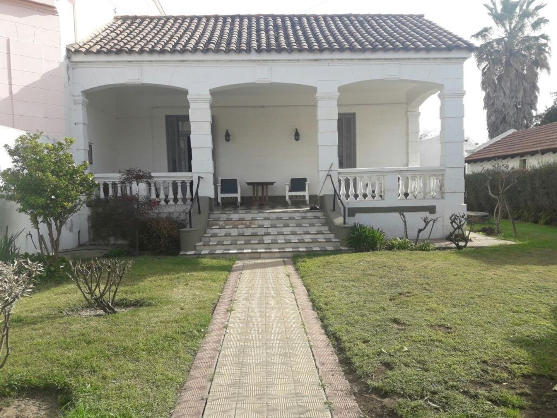 Hermosa casona en Villa Allende, zona playón polideportivo