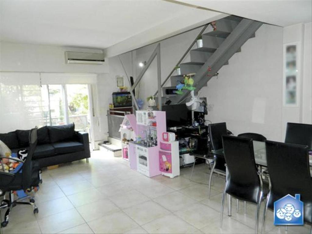Departamento tipo casa en Venta de 3 ambientes en Capital Federal, Saavedra