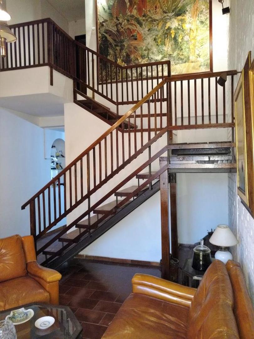Casa en Venta en Villa Centenario - 6 ambientes