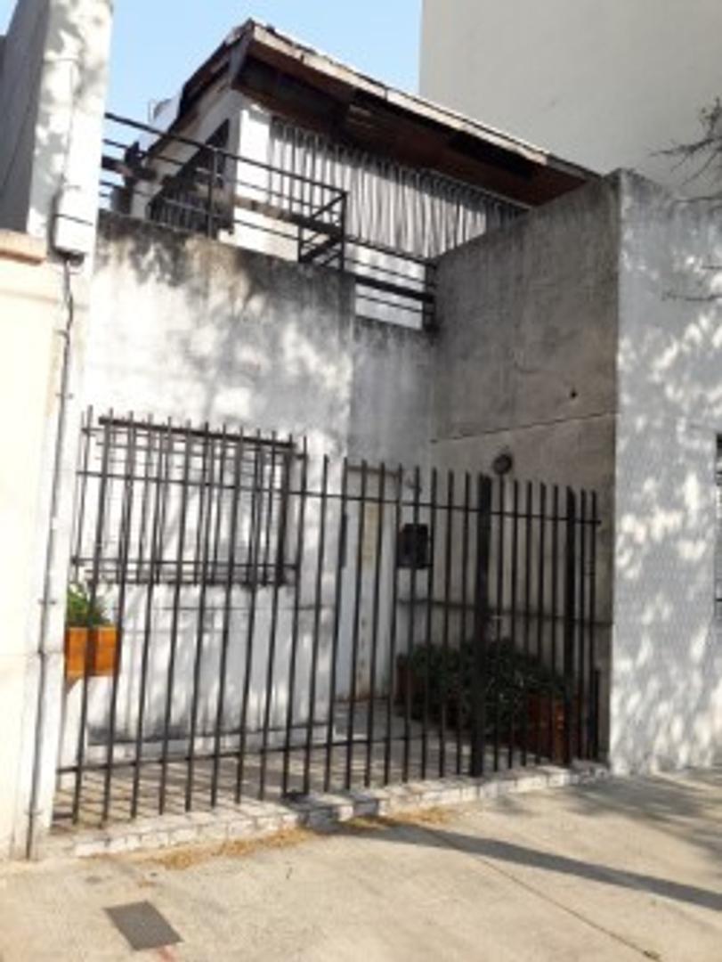 casa 4 ambientes patio y terraza apto ampliar