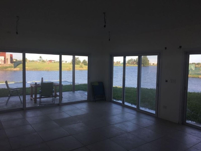 Casa en Barrio Privado Canton Norte, Ingeniero Maschwitz, Escobar. GUARDIAS SABADO, DOMINGO Y FERIAD