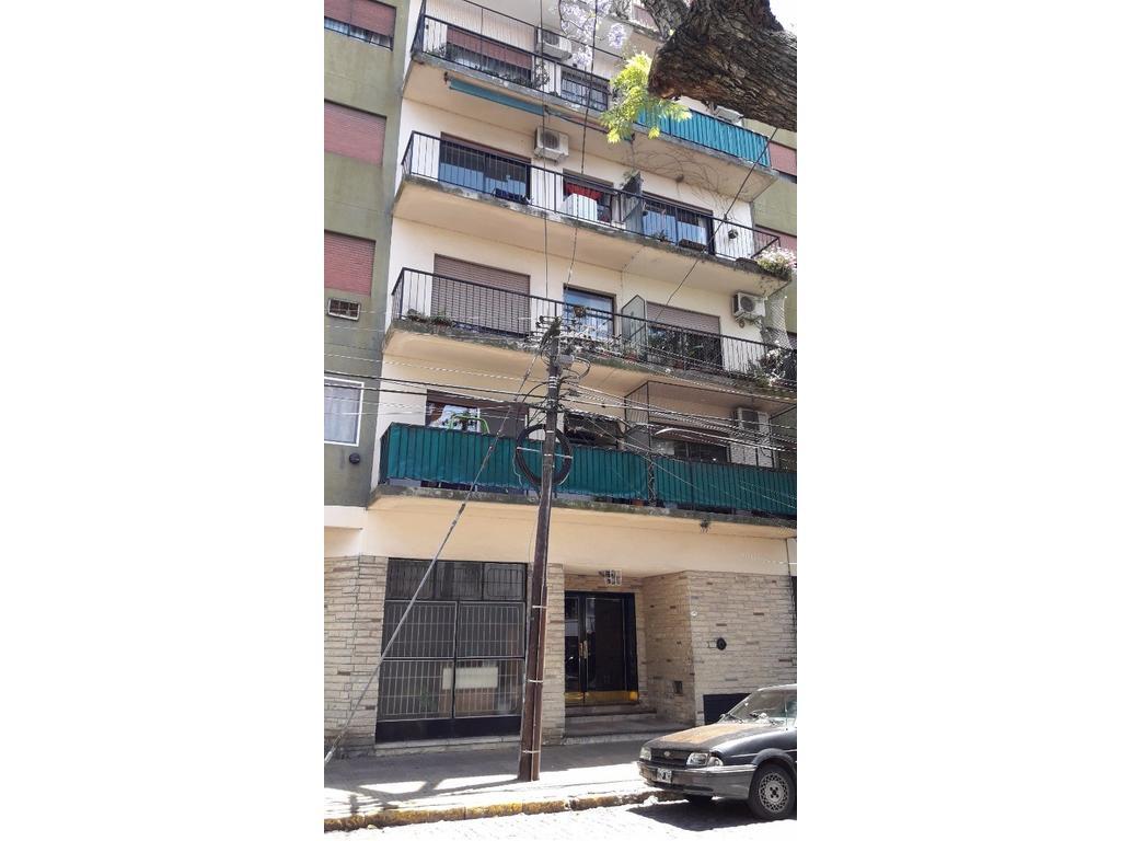 Vendo departamento 2 ambientes centro de Olivos