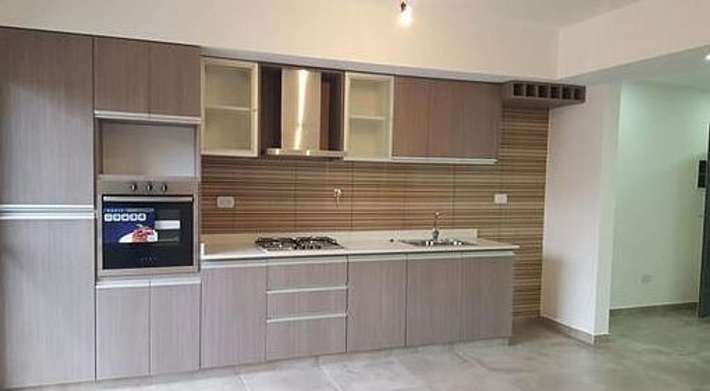 VENTA - Amplio Departamento de tres ambientes, SANTA MARIA 2315, Segundo piso al frente, en San Just