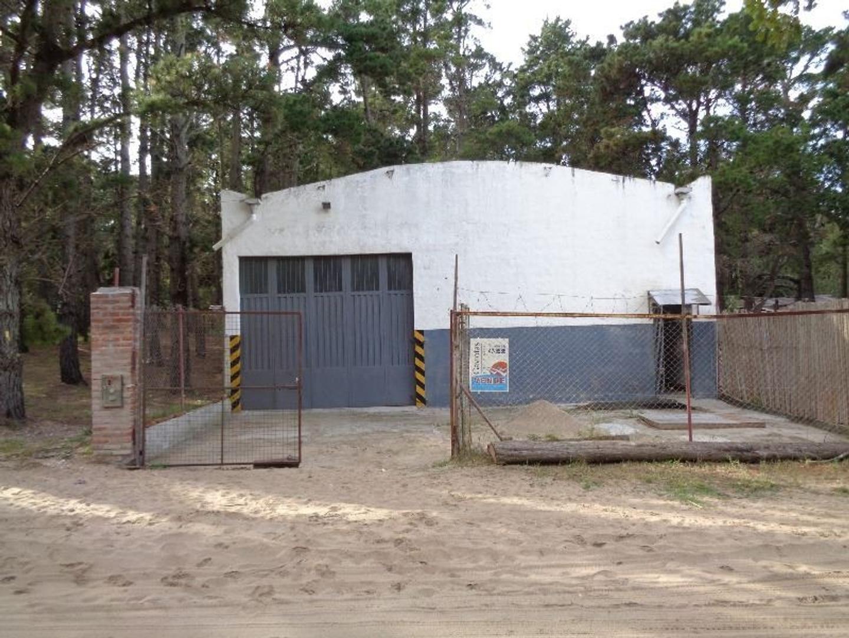 Galpón-Taller-Depósito-Fábrica-Guardería de cuatri etc, para diversos emprendimientos y usos.