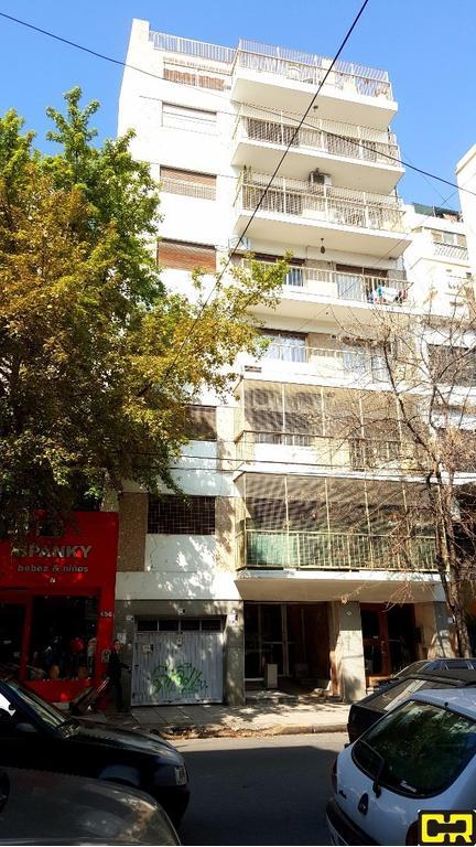 Sensacional departamento de 3 ambientes con dependencia y balcon corrido al frente