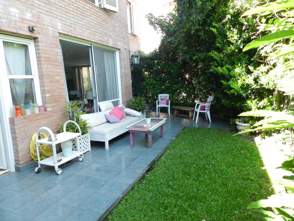 Muy buen departamento con jardín propio, en Jardines de San Isidro!!! -APTO CRÉDITO-