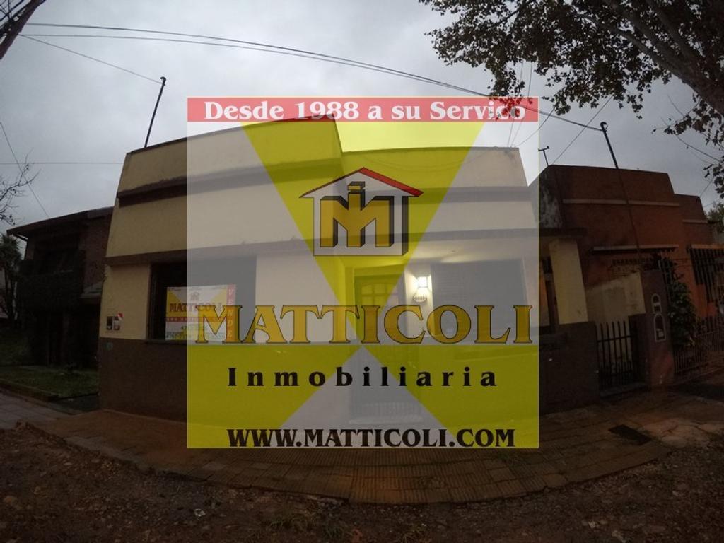 Casa Multifamiliar separadas de 3 ambientes al frente + 4 ambientes al Fondo en ZONA AGUSTINIANO