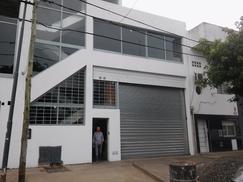 Galpon 1000 m2 en 2 plantas refaccionado a nuevo sobre Ruta 8 zona Industrial