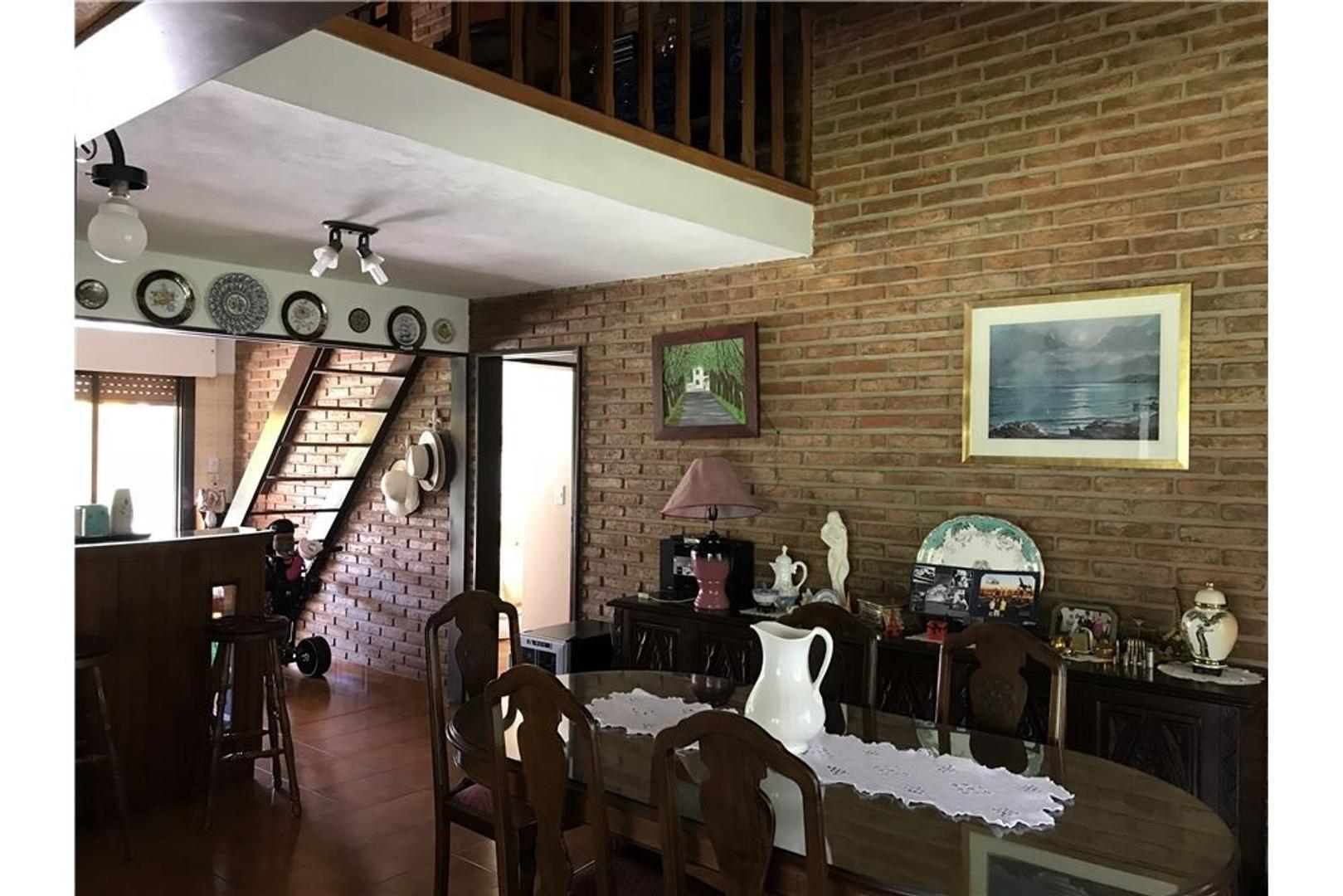 Larena Country Club, Pilar  - 4 ambientes con cochera