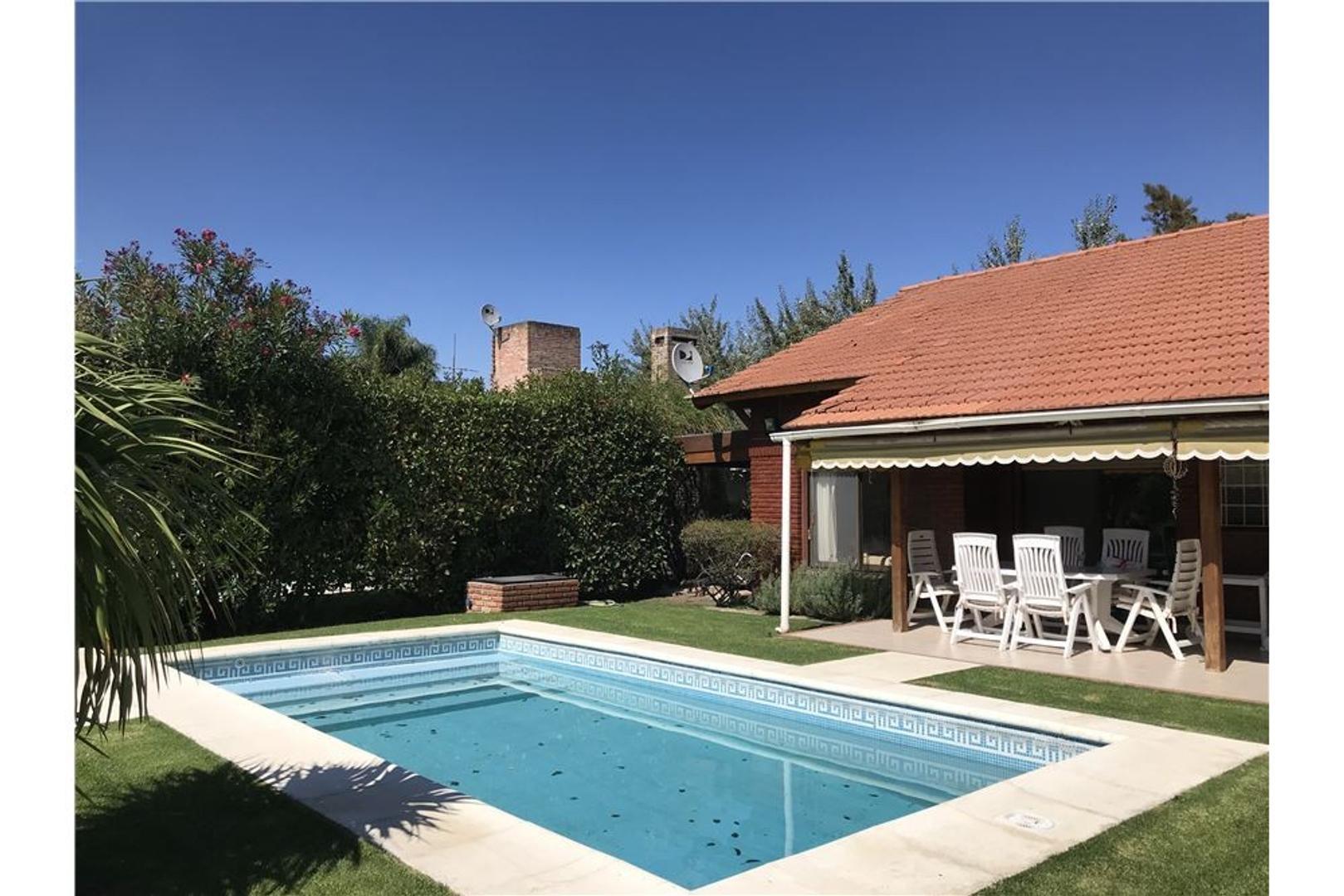 Casa en Venta - 4 ambientes - USD 147.000