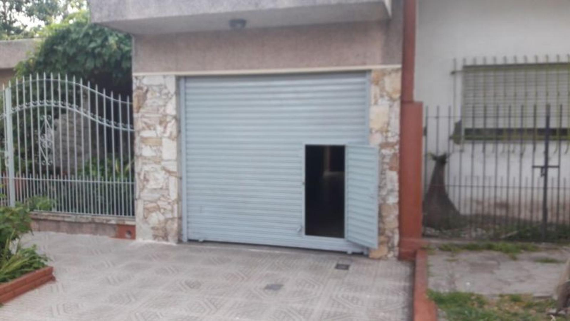 Local - Alquiler - Argentina, Berazategui - 149A 2869