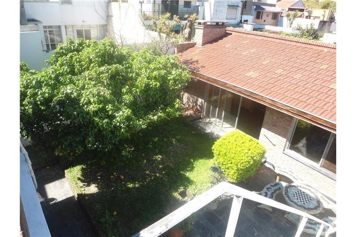 Casa 6 ambientes en Lomas de Nuñez