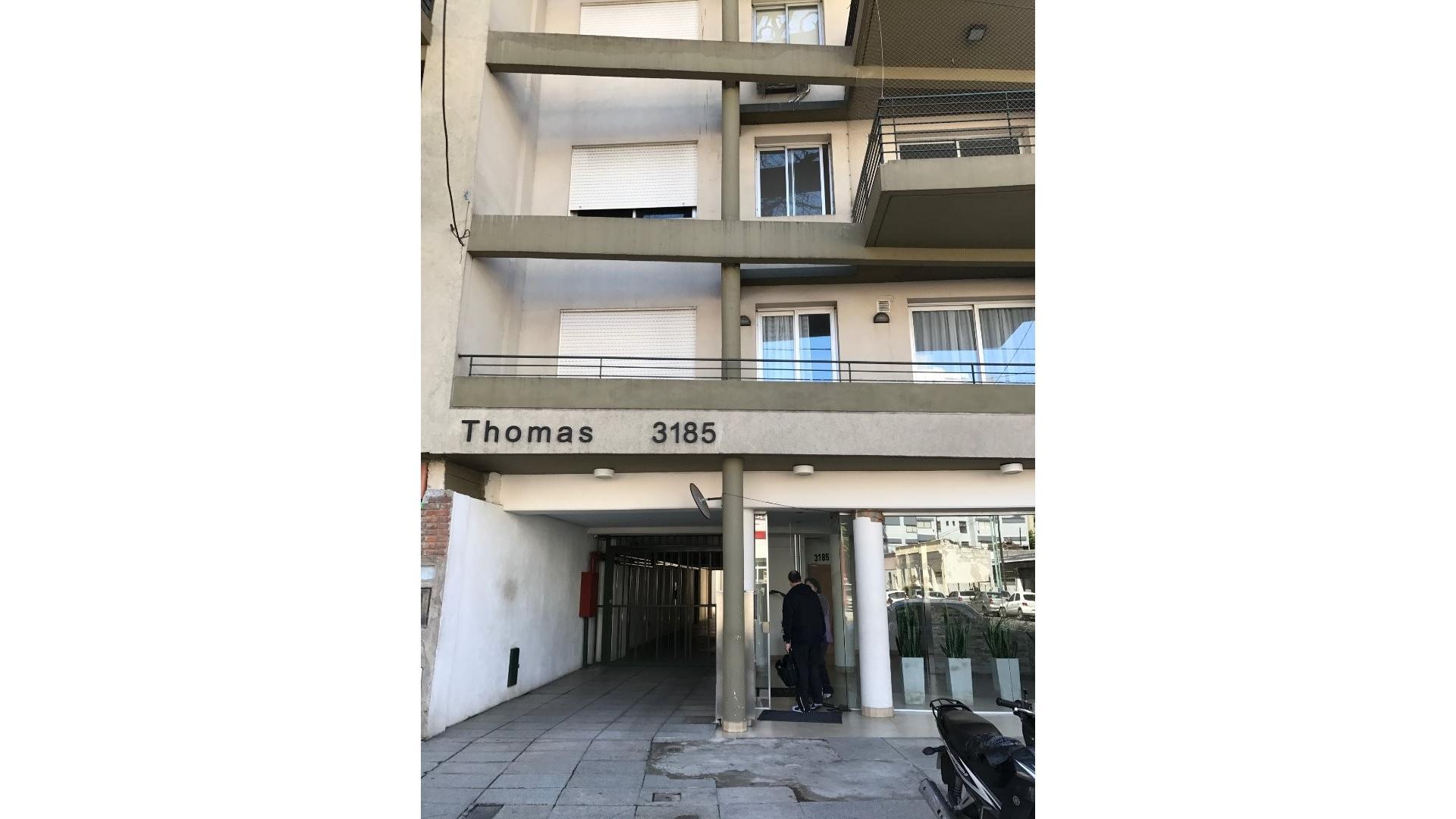 2 amb. frte. balcón M/lumin edif nuevo 4 años, pintado impecable, SUM. solar landry