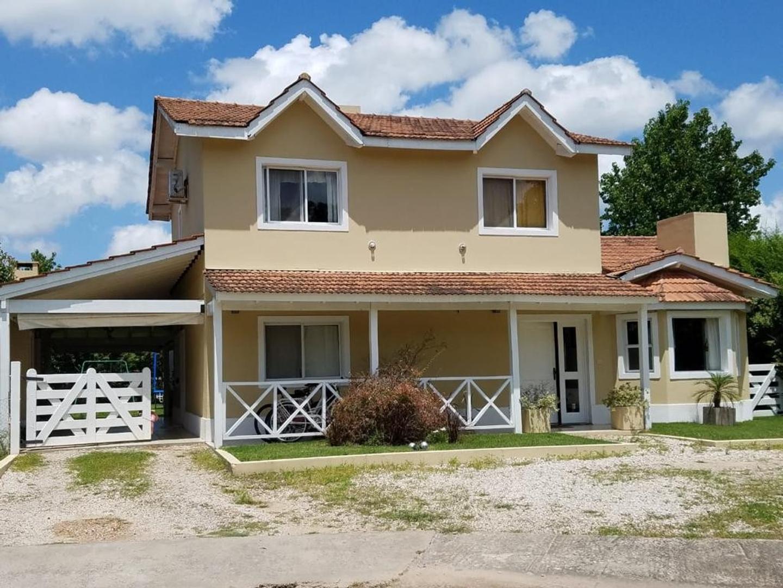 Casa en Venta en Pilar