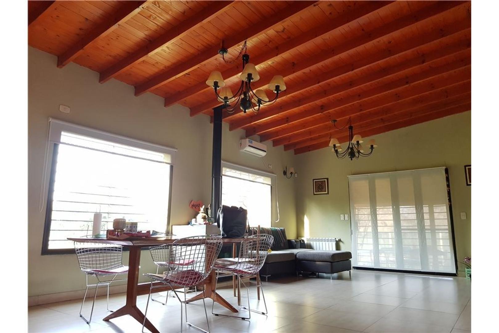 Casa 4 ambientes en Pilar - Terreno 1300 metros-