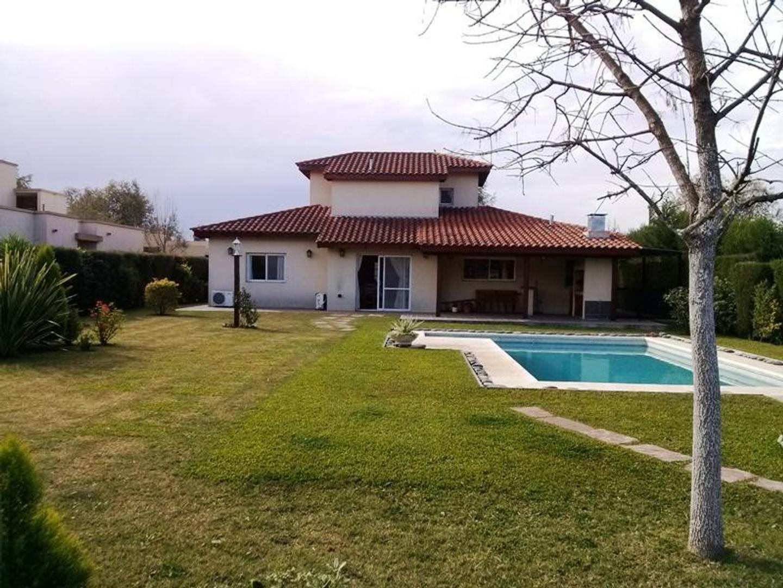 Casa en Venta en La Montura - 4 ambientes