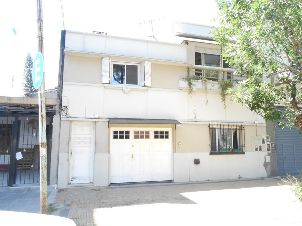 Regio dúplex 4ambientes 2 baños, garage, patio y terraza