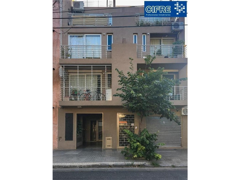 Duplex de 4 ambientes con dos baños balcon terraza - Suc Urquiza 4521-3333