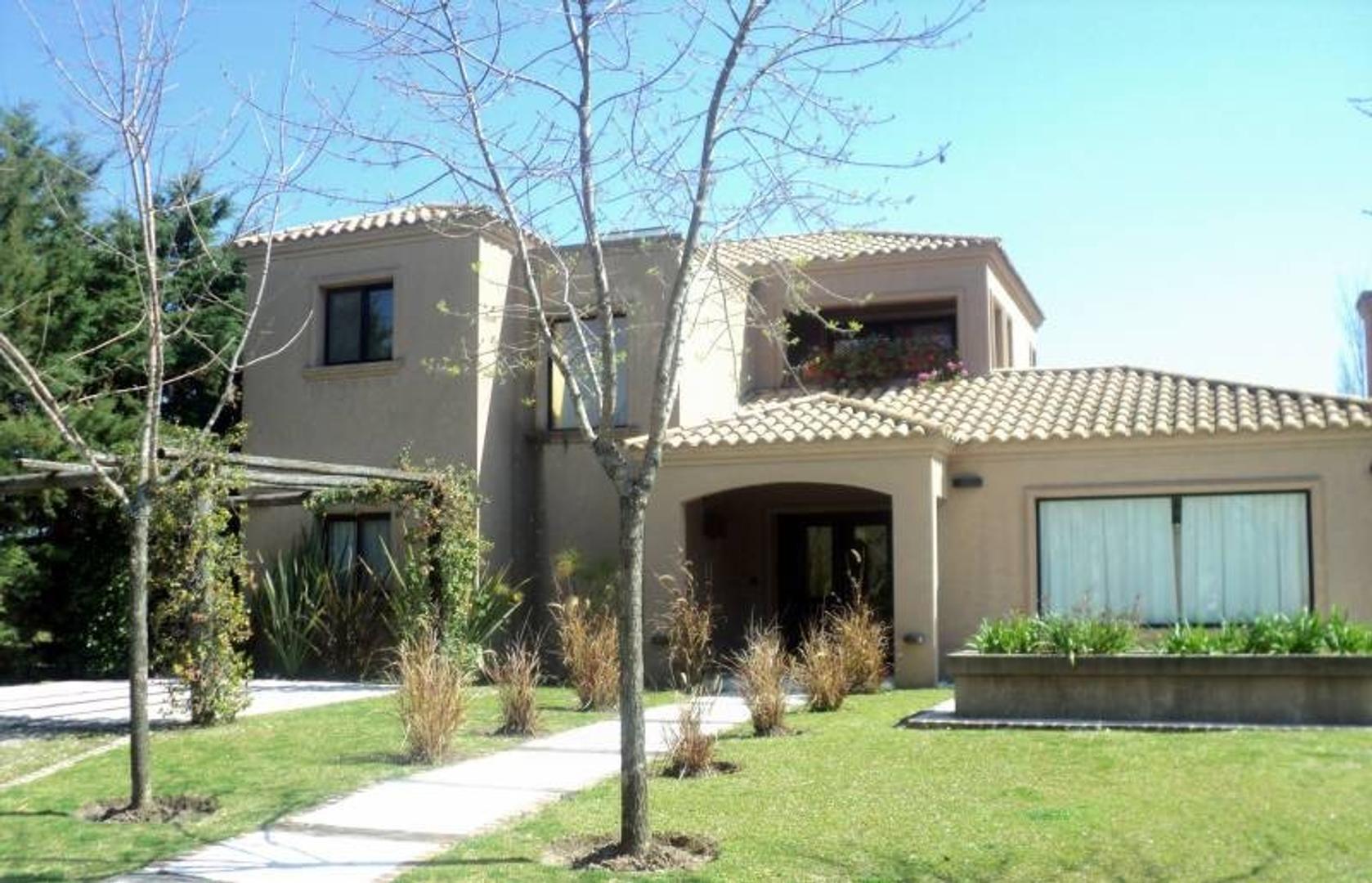 Casa en venta en Barrio Santa Catalina, Villa Nueva