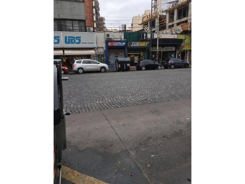 Excelente local en Urquiza, 8,66 x 34 espacio aereo