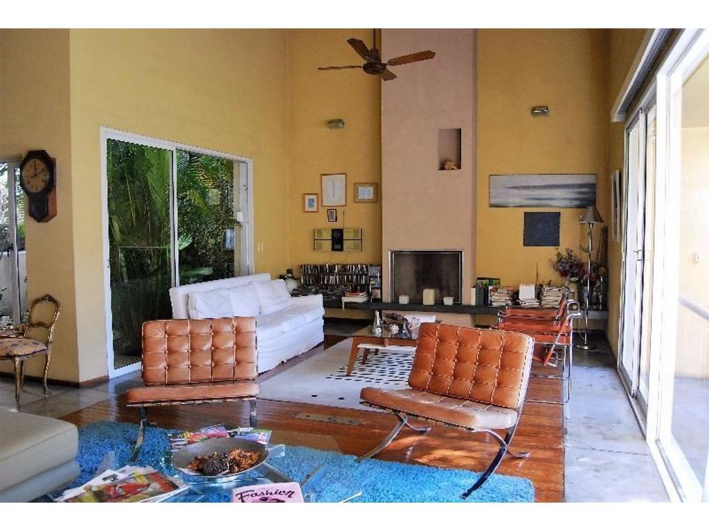 Nicaragua 4900 - Casa de Diseño con Jardín en El Corazón de Palermo