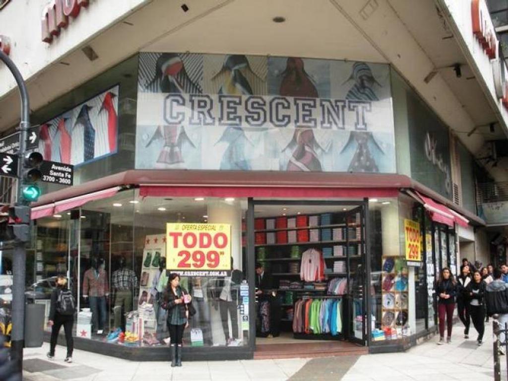 Local en Av. Santa Fe esquina Av Scalabrini Ortiz