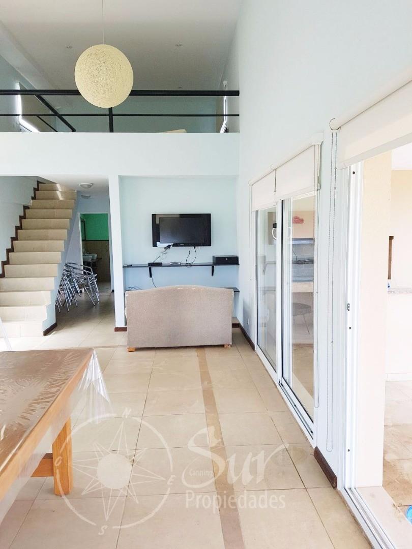 Casa estilo moderno , excelente oportunidad ! Canning - Barrio La Magdalena