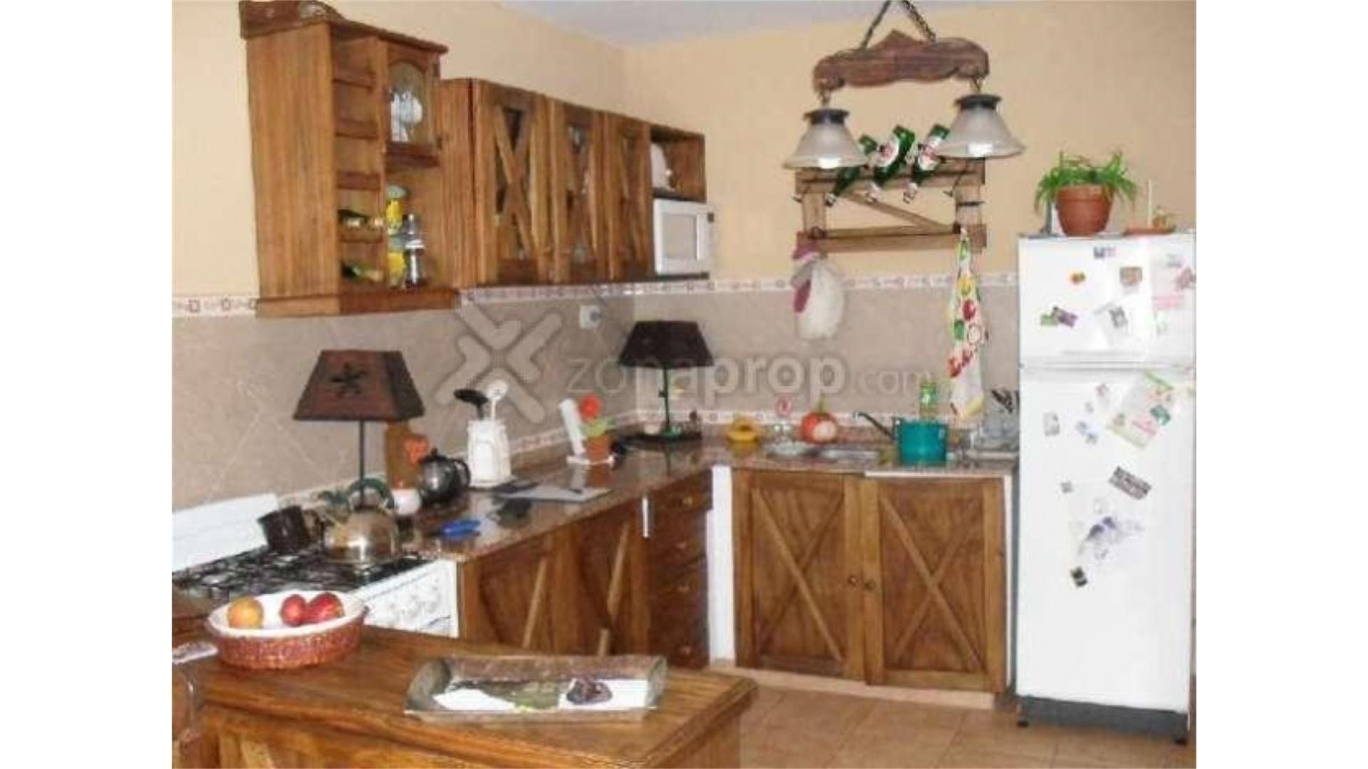 Casa en Venta - 4 ambientes - USD 130.000
