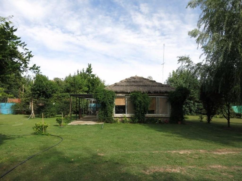 Quinta en Barrio Parque Los Robles - a pocos metros de la ruta 192