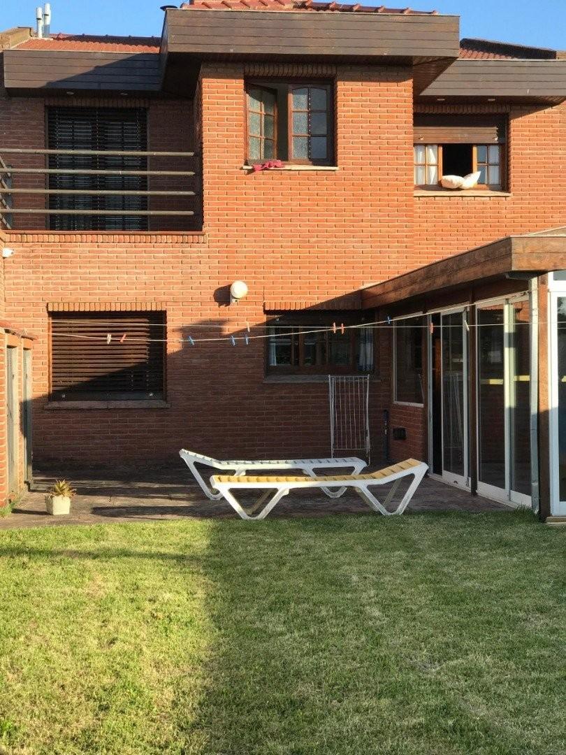 Casa en Alquiler en San Carlos - 6 ambientes