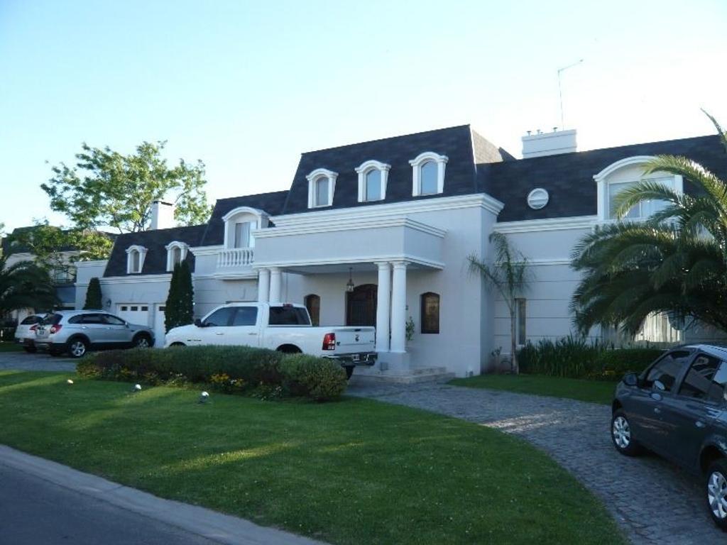 Casa en venta el rocio inmuebles clar n for Alquiler casa en el rocio