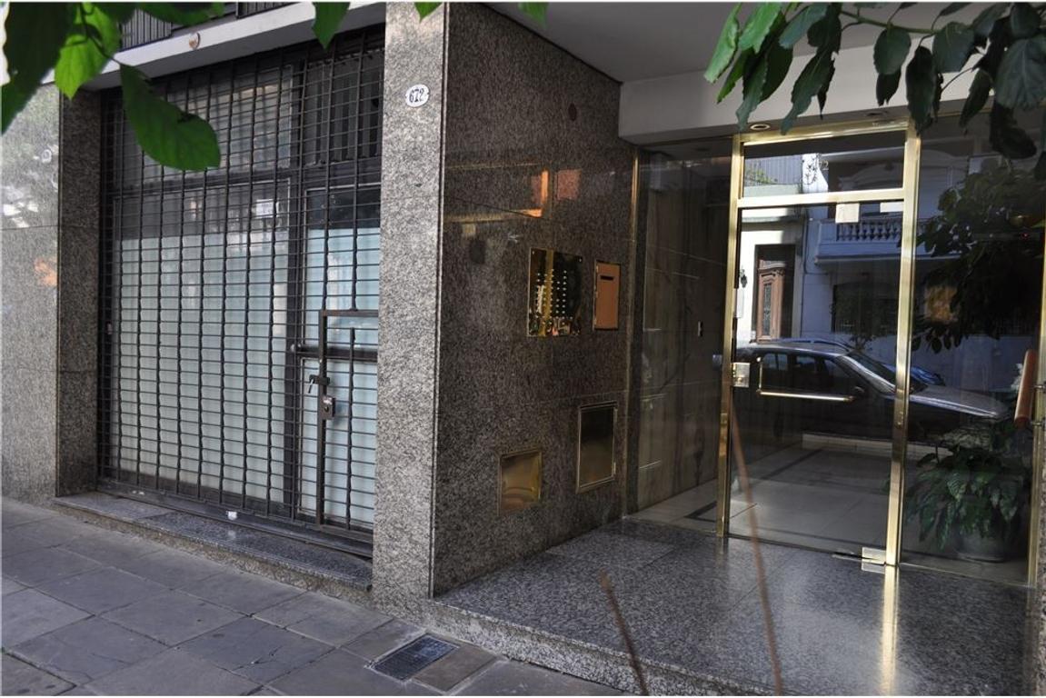 Venta departamento 3 amb+patio+local Villa Crespo