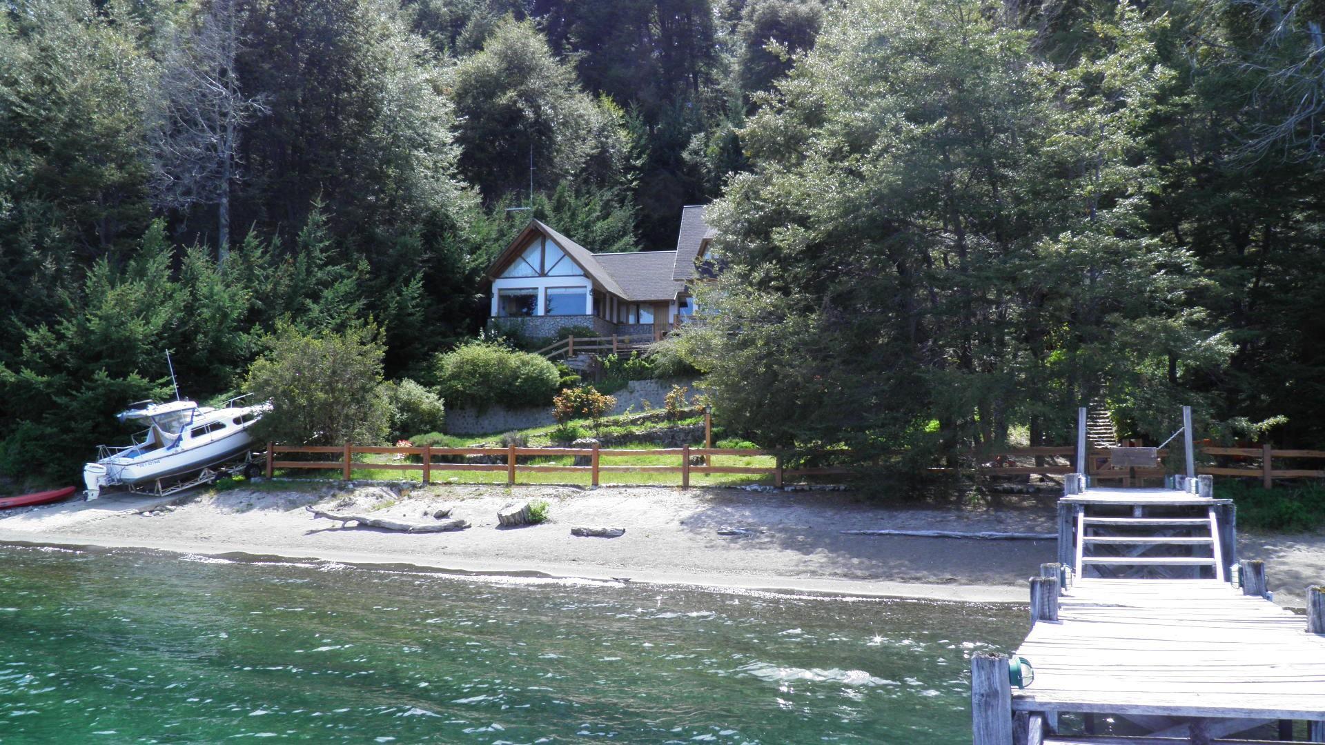 Casa con costa y vista al lago Nahuel Huapi, Villa la Angostura