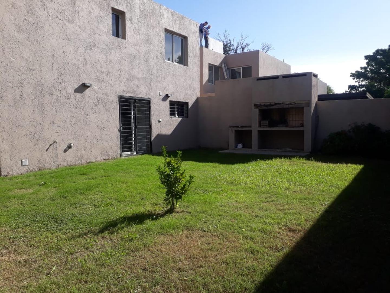Casa en Alquiler en Villa Belgrano - 4 ambientes