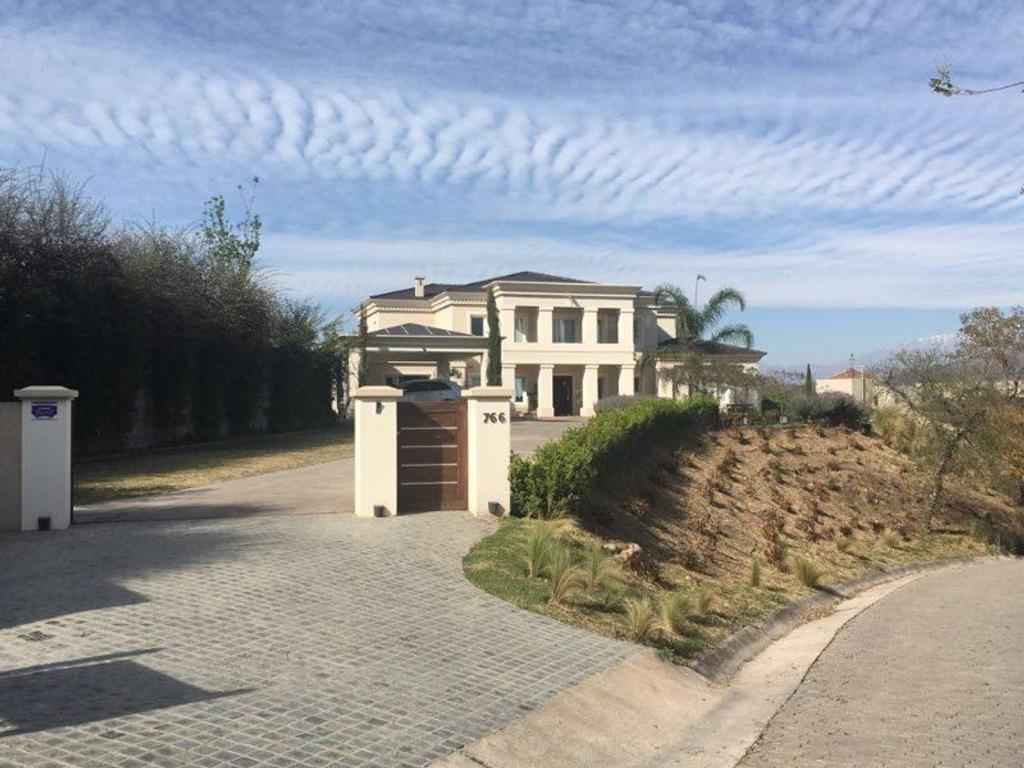 Vendo Casa en Barrio Tipal