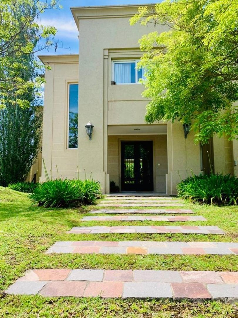 Casa en Venta - USD 1.090.000
