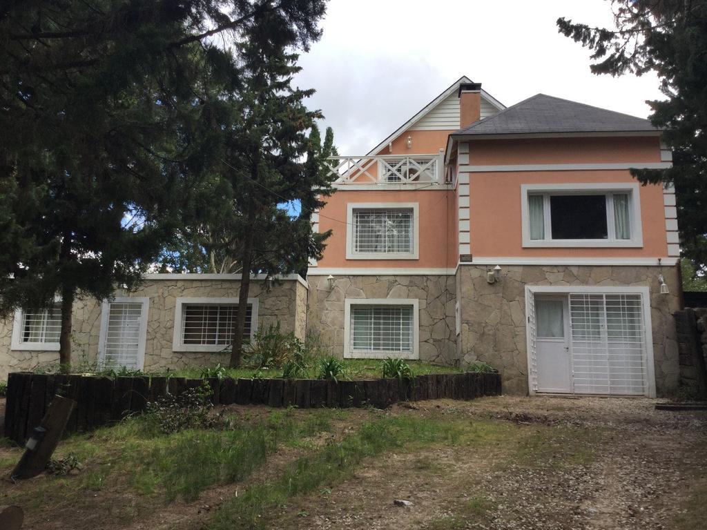 Casa Para 2 Familias, En Bosque, A 9 Cuadras Del Ma
