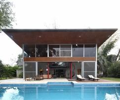 Dueño alquila casa, barrio cerrado, excelente parque, pileta exterior, jacuzzi interno y sauna