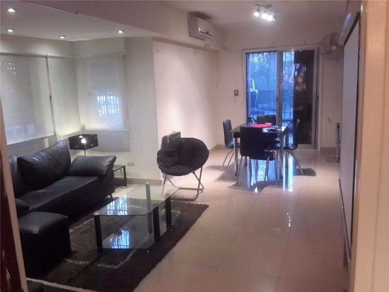 Casa en lote propio 210 metros Dueño vende 4 ambientes con cochera jardin terraza muy buena