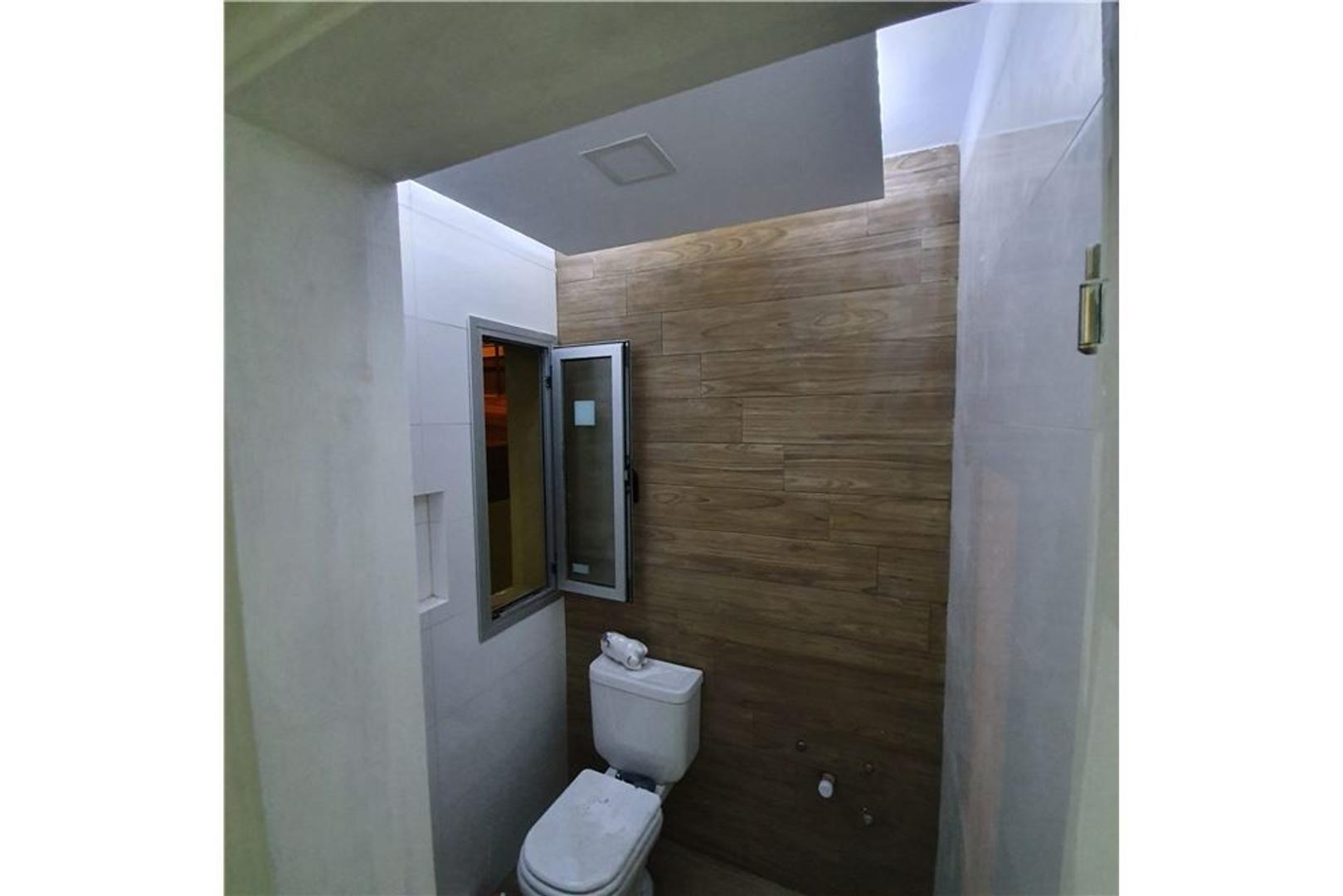 Casa en Venta en Rivera Indarte - 9 ambientes