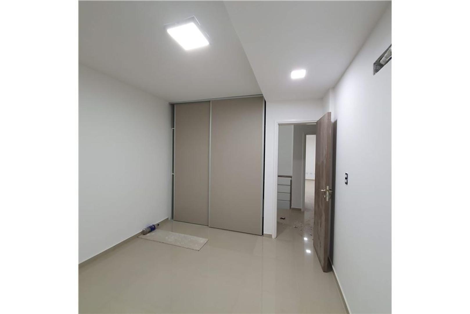 Casa - 180 m²   3 dormitorios   A Estrenar