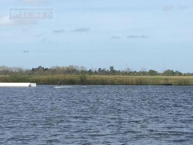Terreno en Venta en Puertos del Lago - Muelles