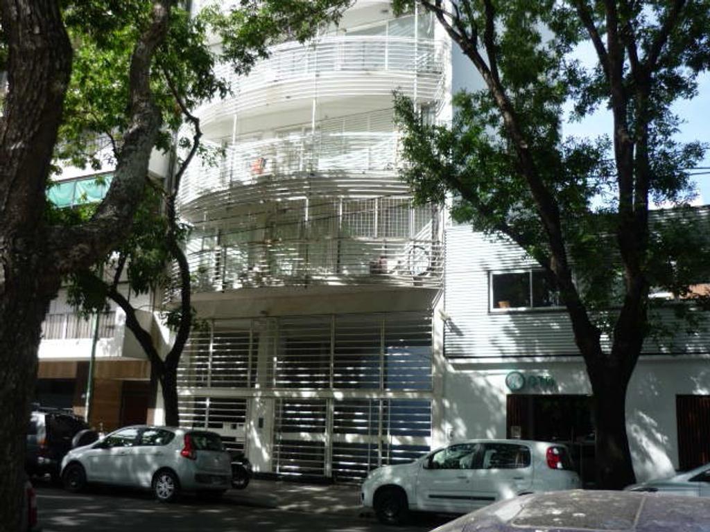 Depto 3 Amb Al Frente con Balcón, Luminoso y Buena Vista a plaza Balcarce