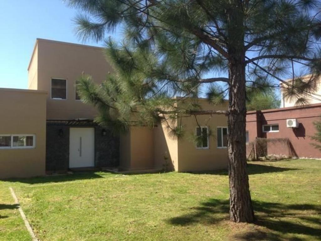 Casa en Venta  Barrio cerrado Fincas de Maschwitz 3 dormitorios.
