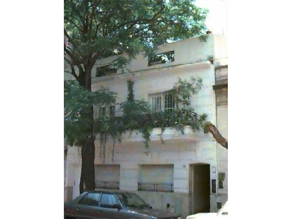 Depart PH en duplex 1er y 2do piso con excte terraza al frente y balcón. 225 m2 totales, 113 cubiert