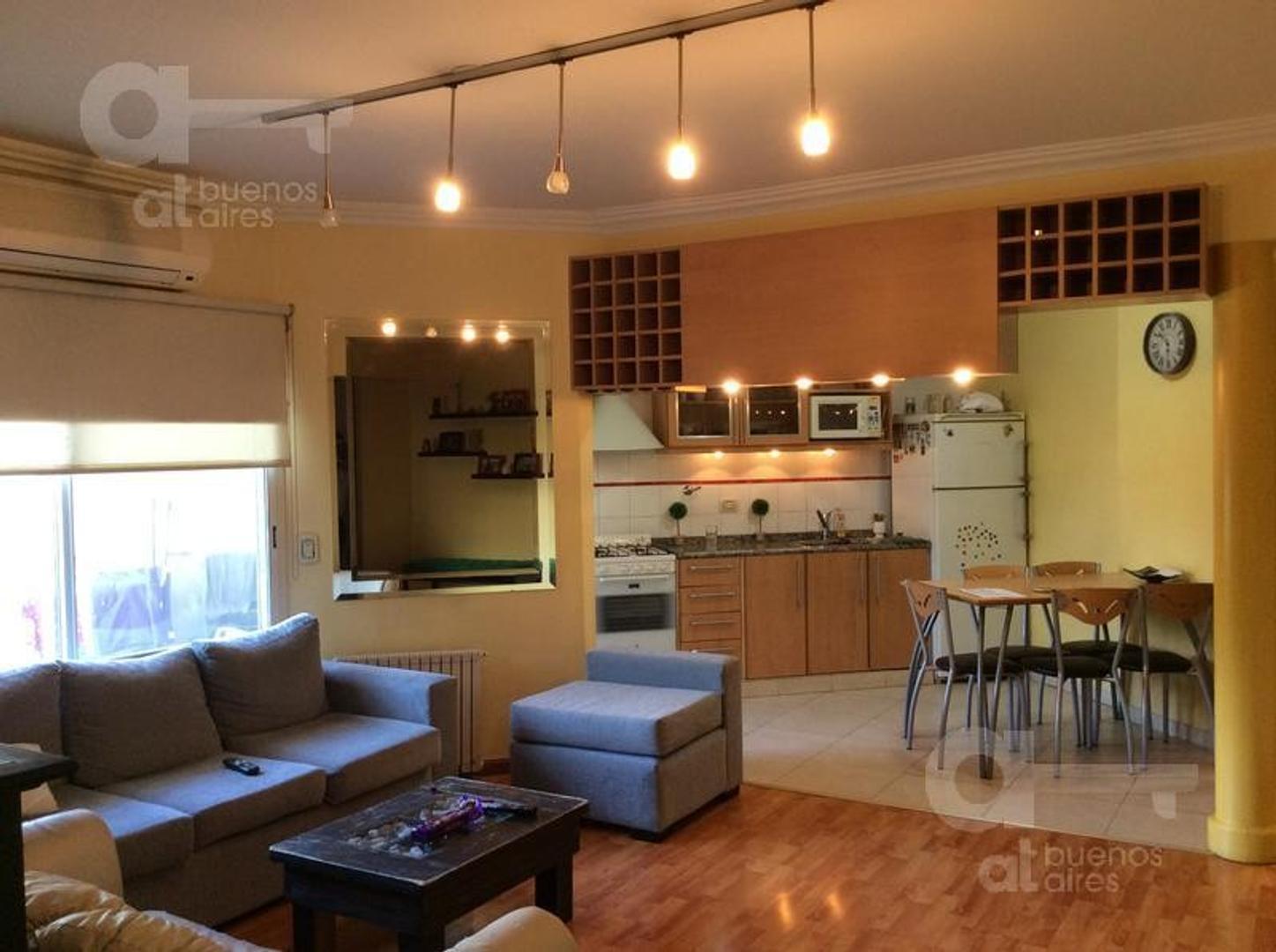 Villa Luro - 4 Ambientes al frente con balcón - En Venta